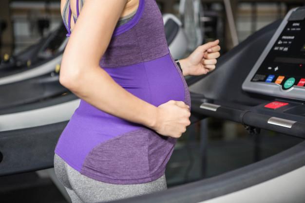 salle gym femme enceinte sport