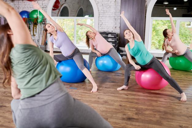 groupe femmes enceintes yoga grossesse