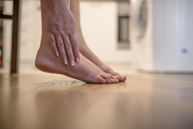 jambes lourdes femme enceinte