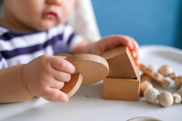 jouets bebe en bois